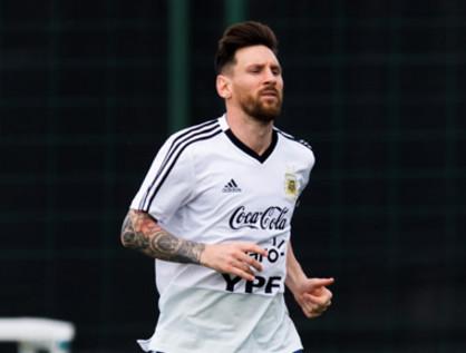アルゼンチン代表がW杯前にトホ...