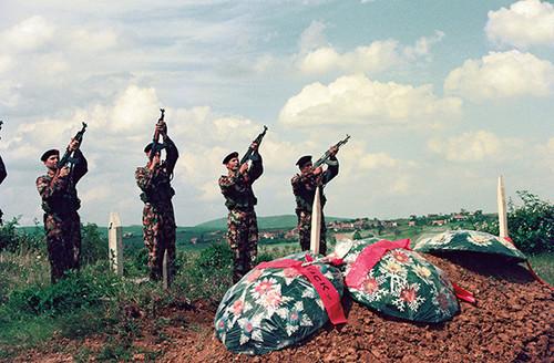 紛争 コソボ
