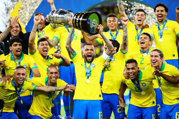 サッカーブラジル代表の画像
