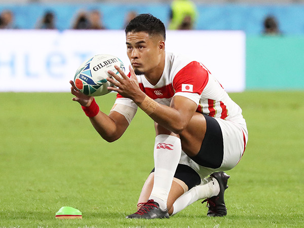 https://sportiva.shueisha.co.jp/clm/otherballgame/rugby/2019/images/YuTamura_kick2.jpg