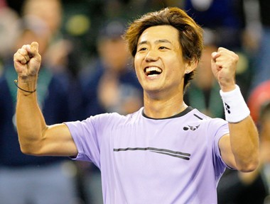 西岡良仁に拍手喝采。「大人のテニス」で強豪撃破の小兵の哲学【スポルティーバ】
