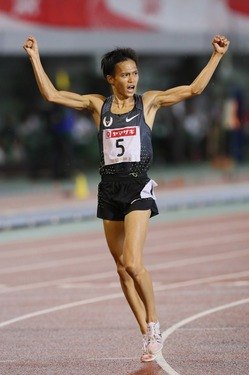 日本選手権1万mで悲願の初優勝。...