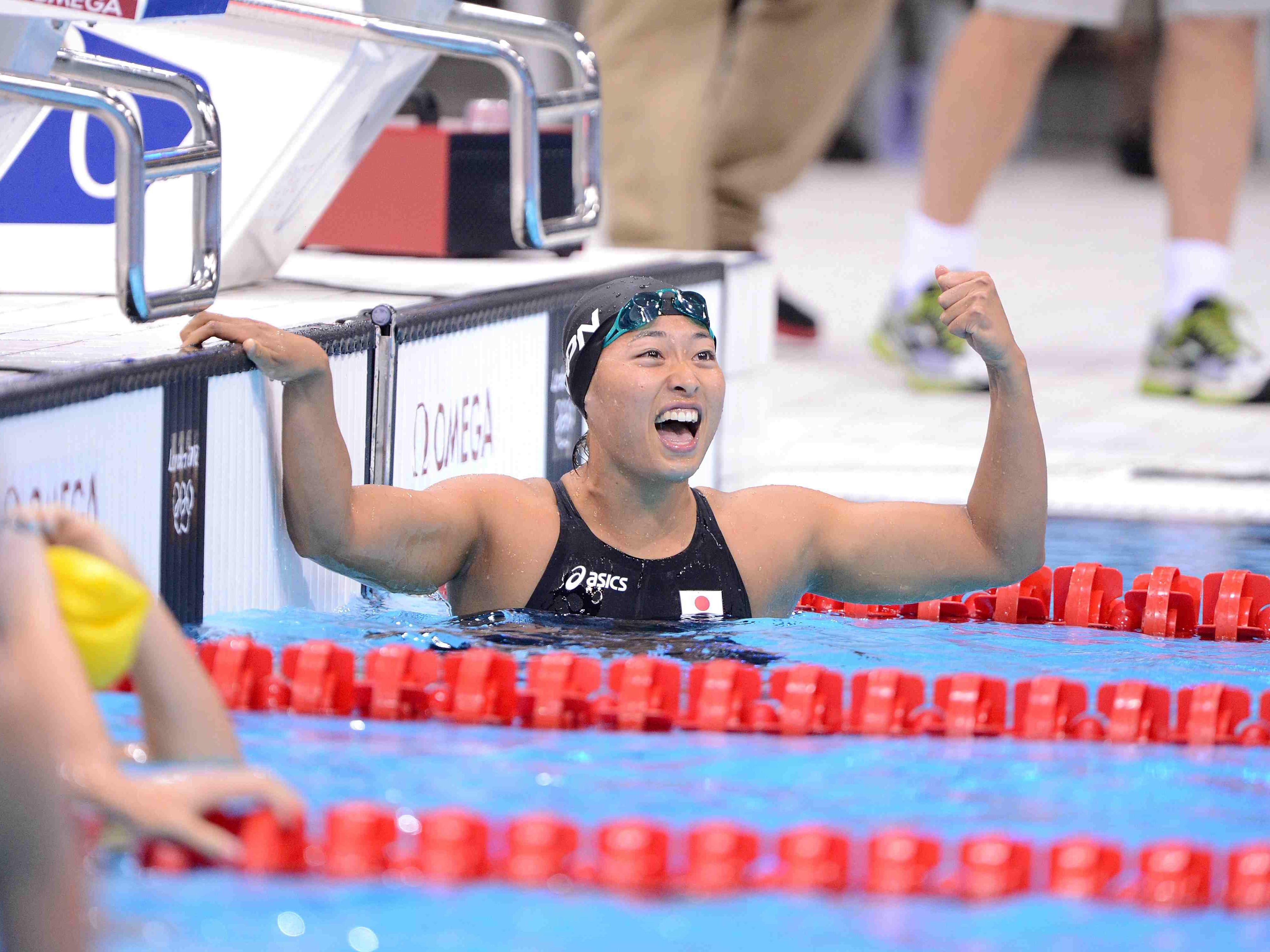 やっちゃった」。鈴木聡美が自分でも驚いた日本競泳女子初の偉業|水泳 ...